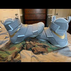 Nike LeBron Soldiers Wolf Grey colorway